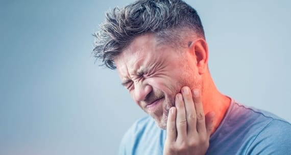 Is a Cracked Tooth a Dental Emergency?